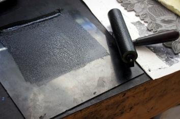 Roller & ink for inking the linoblock